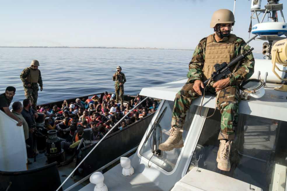 Hallados al menos 25 cuerpos de migrantes frente a las costas libias