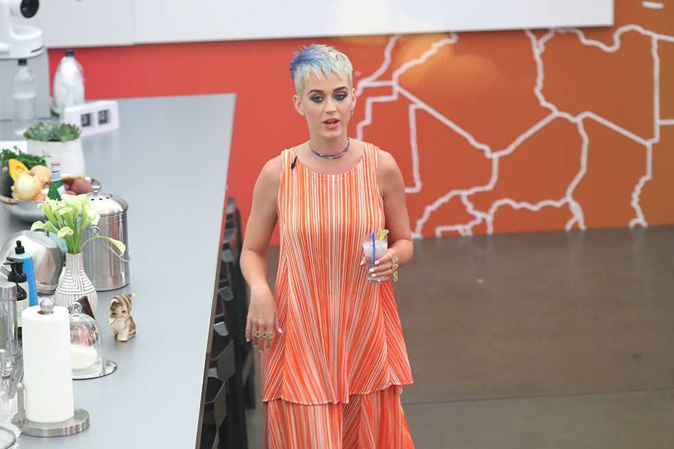 Katy Perry da el primer paso para terminar su guerra con Taylor Swift