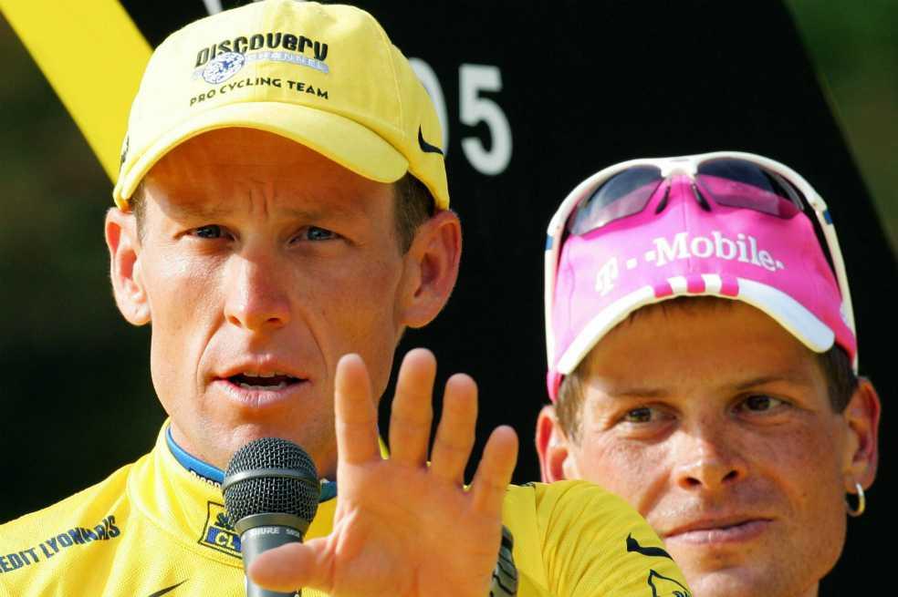 Lance Armstrong insulta a la organización del Tour por no invitar a Jan Ullrich