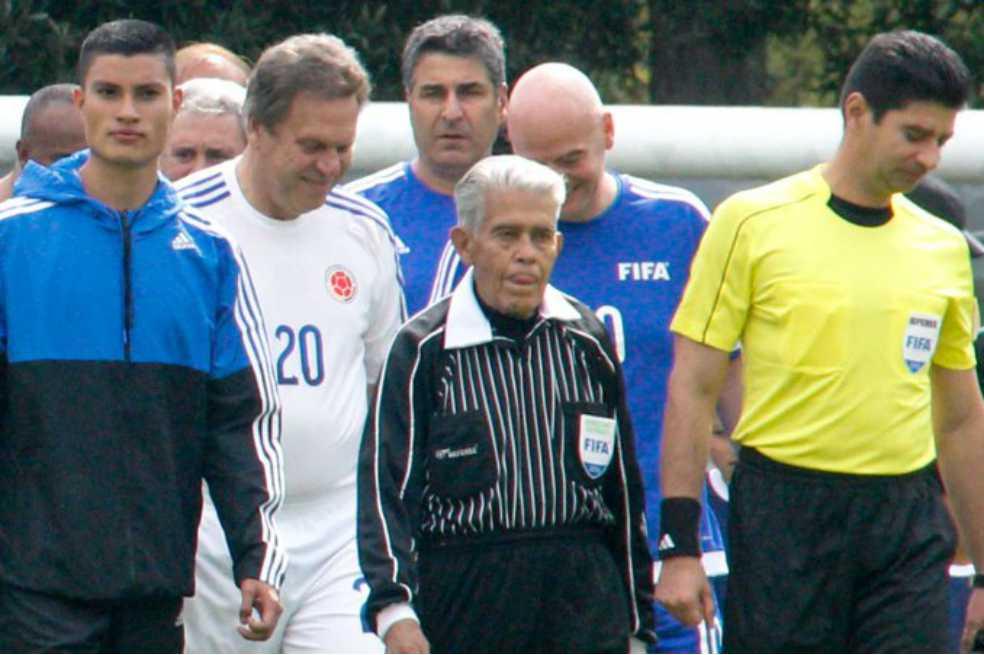 "Murió ""Chato"" Velásquez, el árbitro colombiano que expulsó a Pelé"