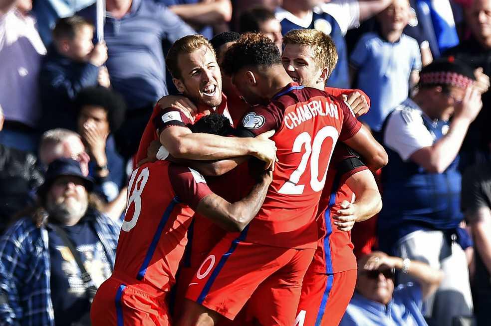 Inglaterra le empató en el último minuto a Escocia y pone un pie en Rusia 2018