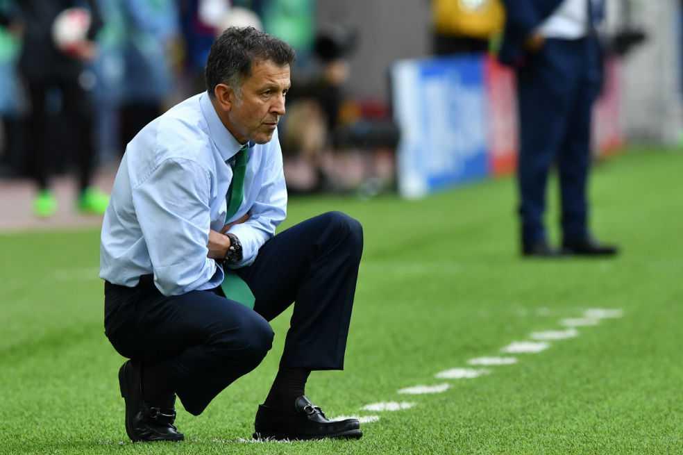 Juan Carlos Osorio, suspendido por seis partidos por la Fifa