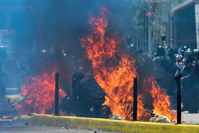 Al menos cuatro militares heridos al explotar artefacto en Caracas, Venezuela