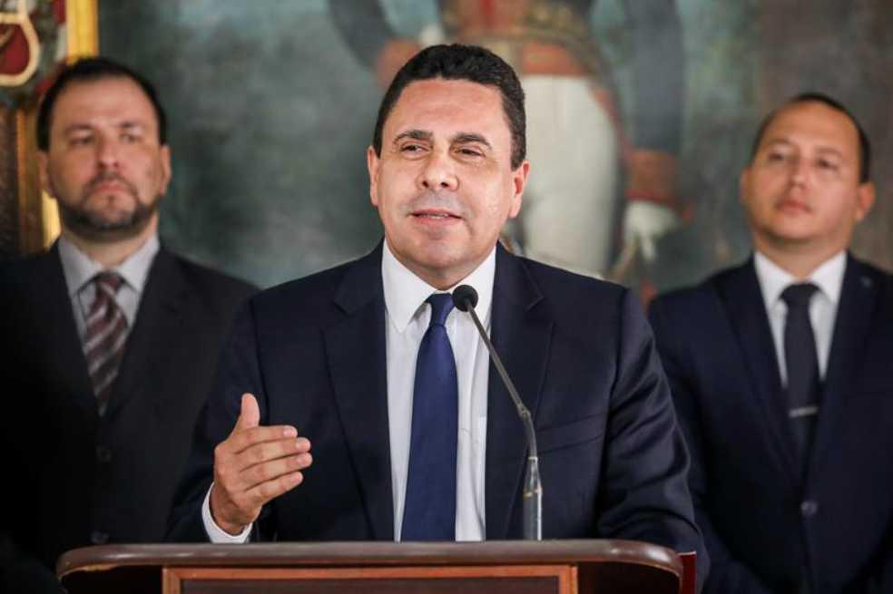 «Nada ni nadie podrá detenerla, la Constituyente va»: canciller venezolano