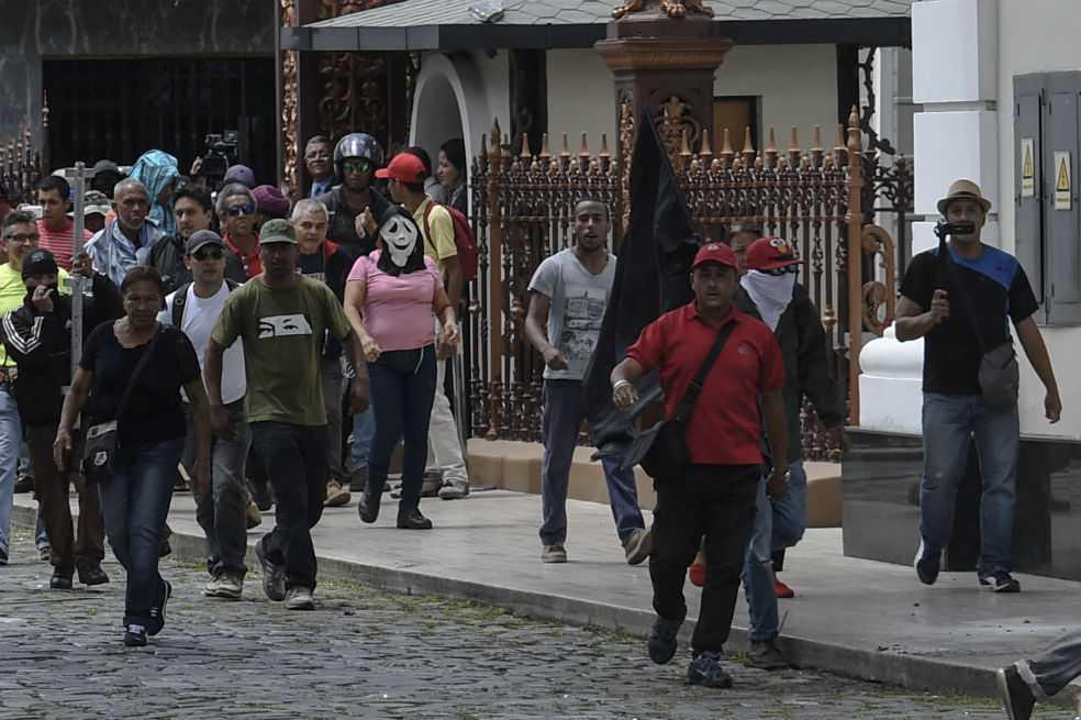 Almagro pide sesión extraordinaria de la OEA por Venezuela