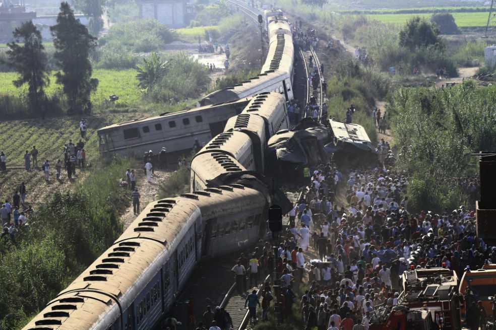 Al menos 21 muertos en un choque de trenes en el norte de Egipto