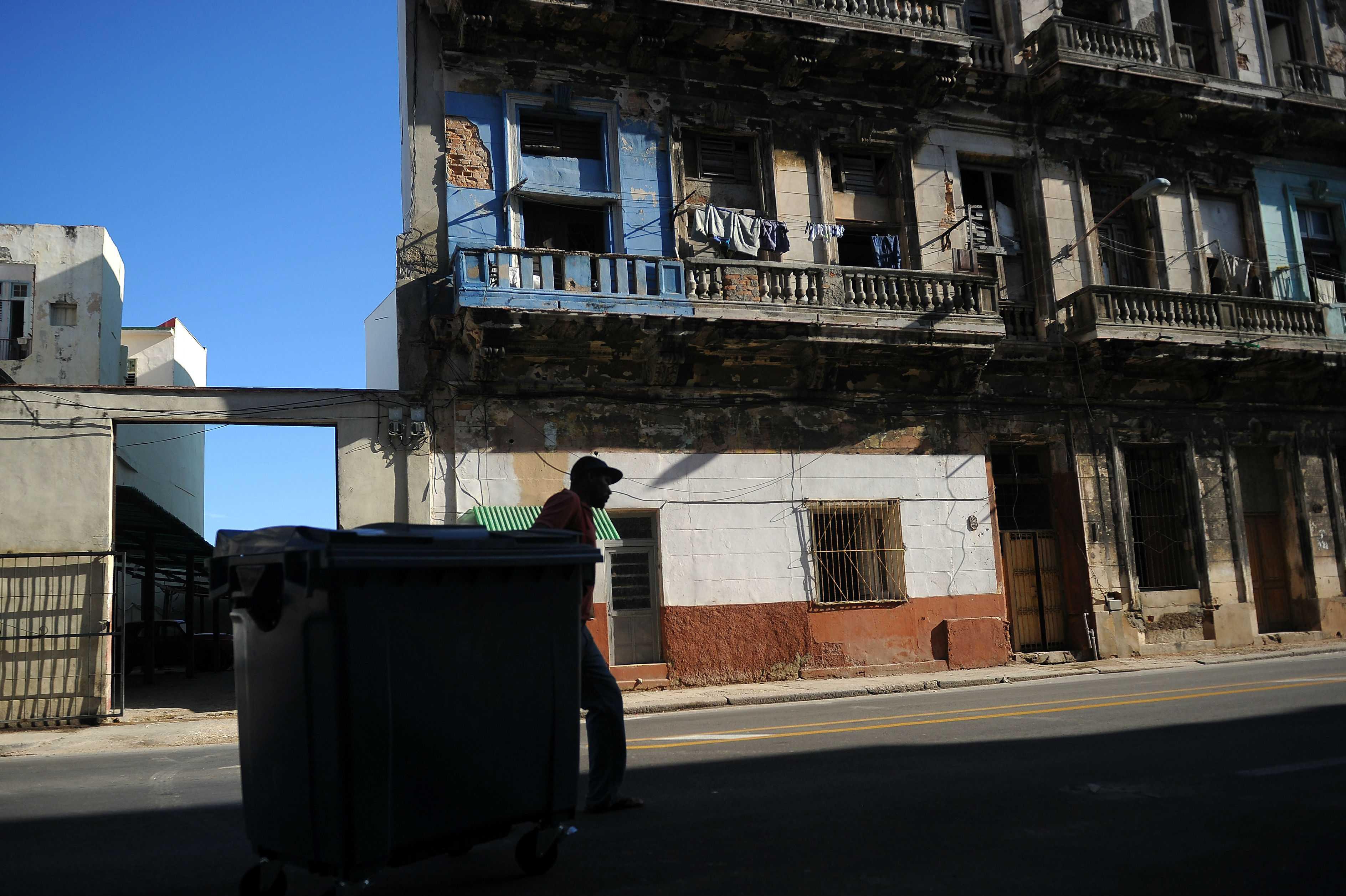 EE.UU. estudia posibilidad de cerrar su embajada en Cuba