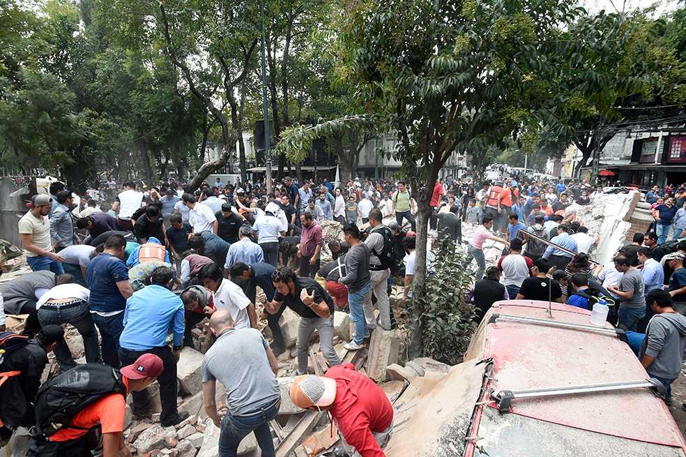 Asciende a 286 número de víctimas mortales por sismo en México