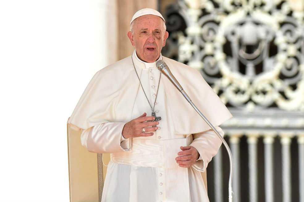 Papa anuncia que no habrá recursos ni concederá gracia a curas pederastas