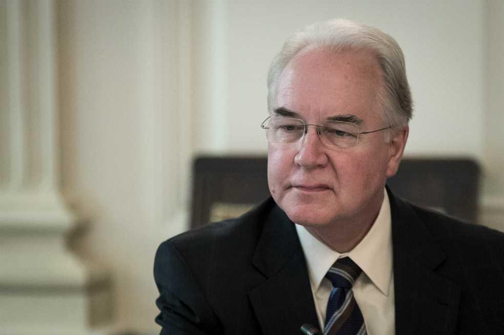 El escándalo que obligó a renunciar al Secretario de Salud de EE.UU.