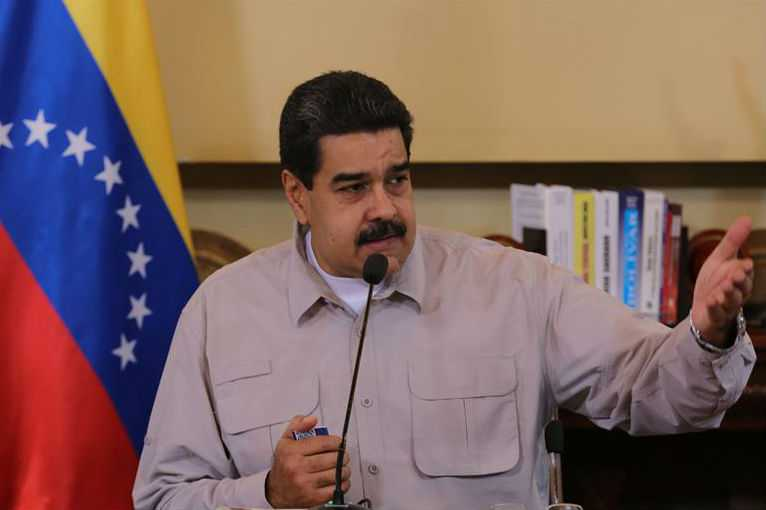 Maduro amenaza con congelar relaciones diplomáticas con España