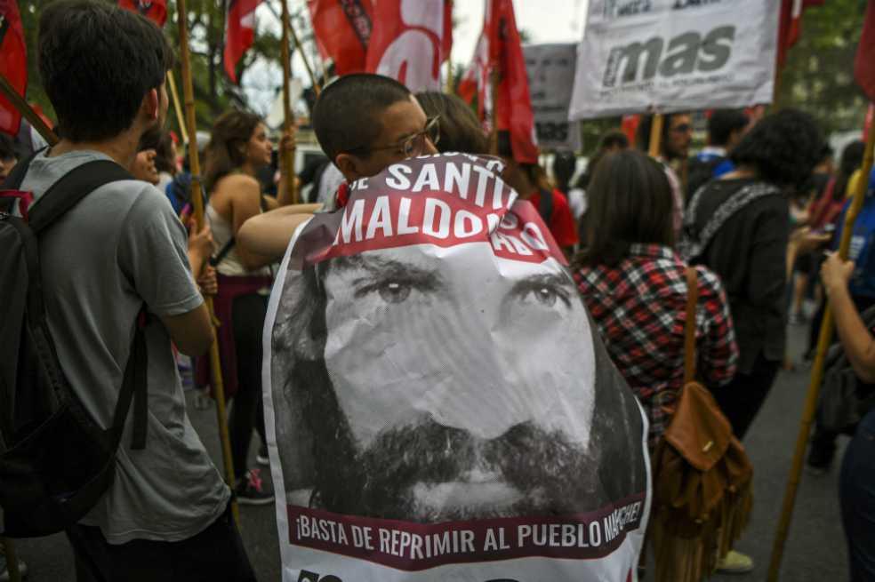 Se retrasa autopsia para saber si cuerpo hallado en Argentina es Santiago Maldonado