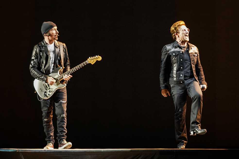 U2 pagará refugios para 2.000 familias afectadas por terremotos en México