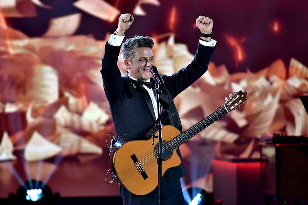 Alejandro Sanz, homenajeado por sus amigos en los Grammy Latino 2017