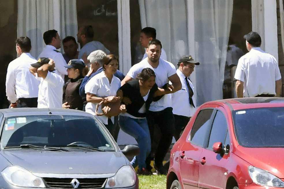 Familiares de tripulantes del submarino argentino: entre el llanto y el dolor