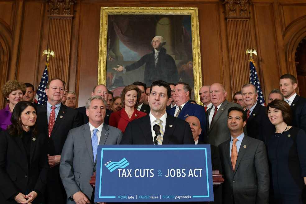 Cámara baja del Congreso de EE.UU. aprueba reforma fiscal de Trump