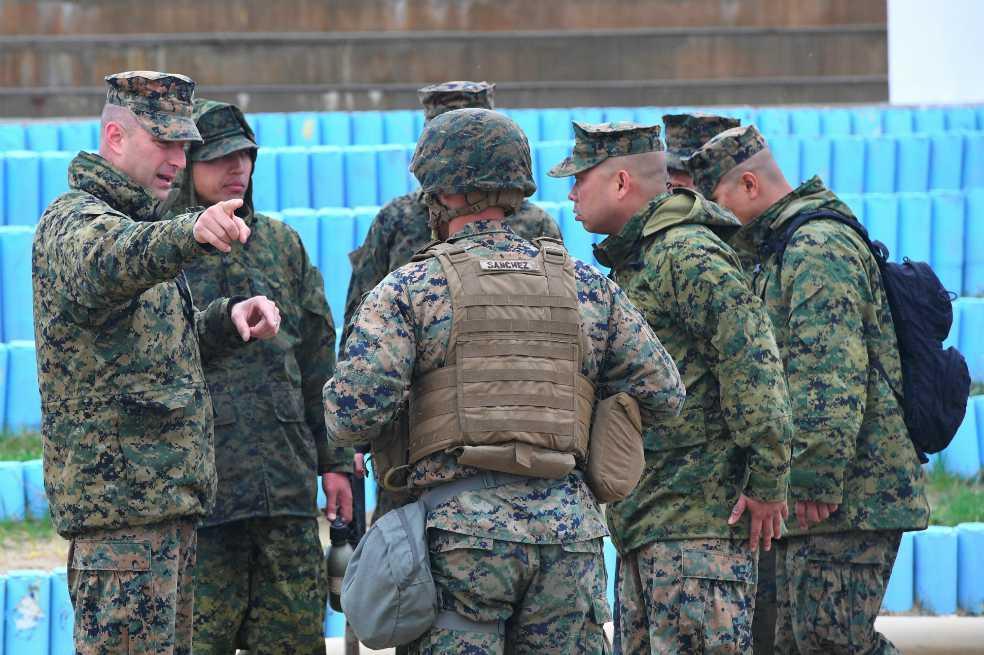 ¿El Pentágono se reveló contra Trump para enlistar soldados transgénero?