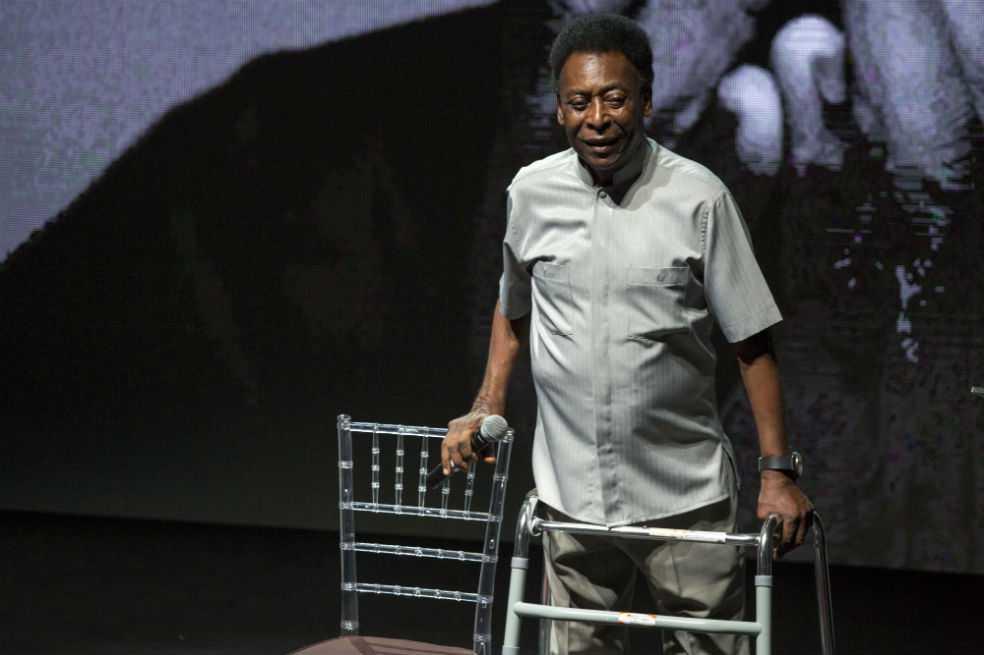 Pelé fue internado de urgencia por un agotamiento severo
