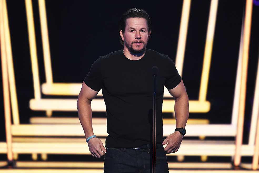 Mark Wahlberg dona el millón de dólares por el que fue criticado en Hollywood