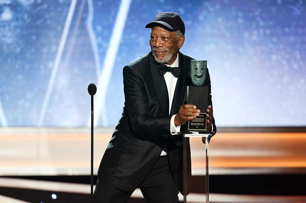 Morgan Freeman critica género de estatuilla que se entrega en los Premios Sag