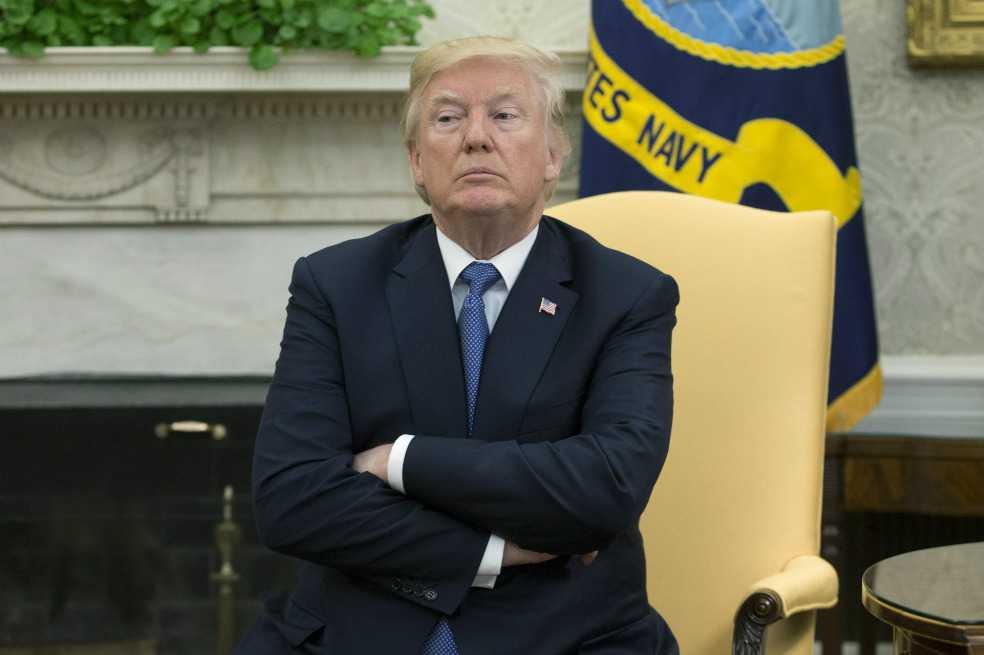 Sólo un 38 % de los estadounidenses aprueba a Trump en un país polarizado