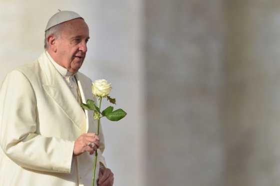 El papa pide «disculpas» a las víctimas de abusos sexuales