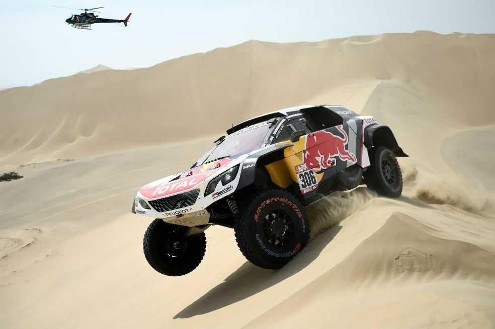 Peterhansel y Sunderland se adueñan del Dakar