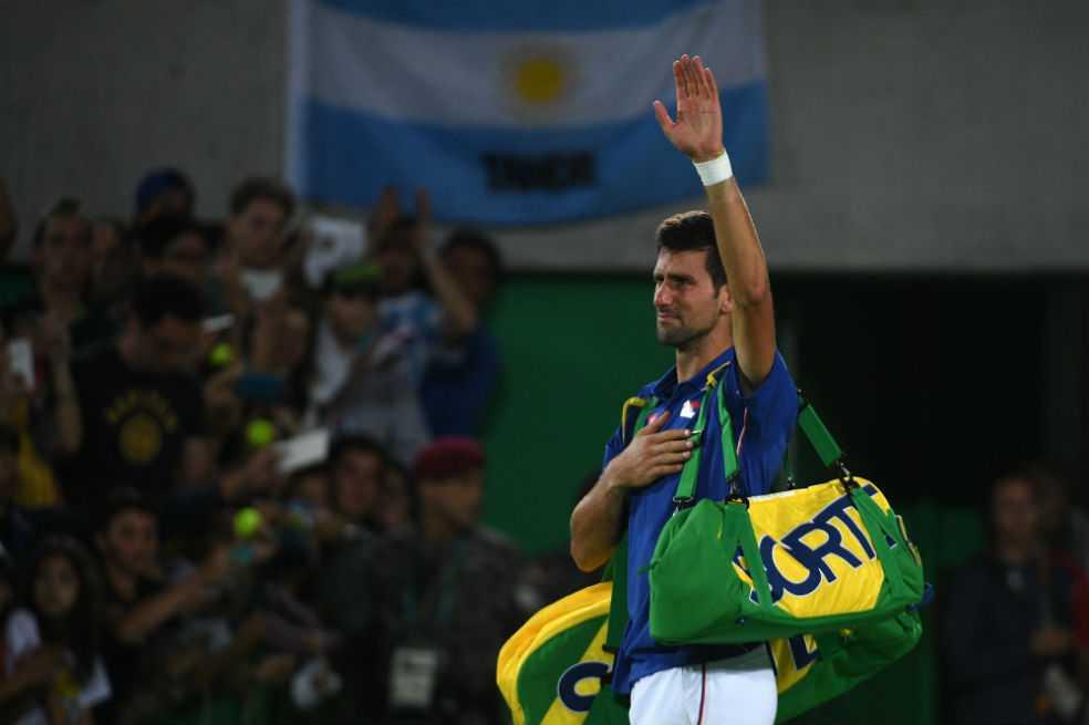 Djokovic se habría operado la mano derecha