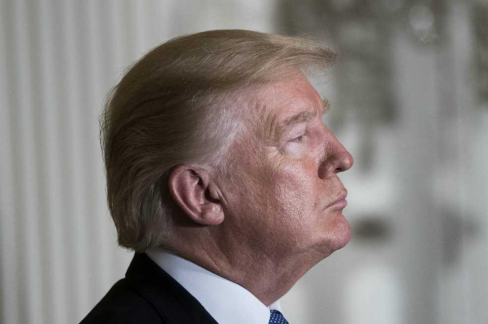 Trump responde a señalamiento de acoso por parte de una exrecepcionista