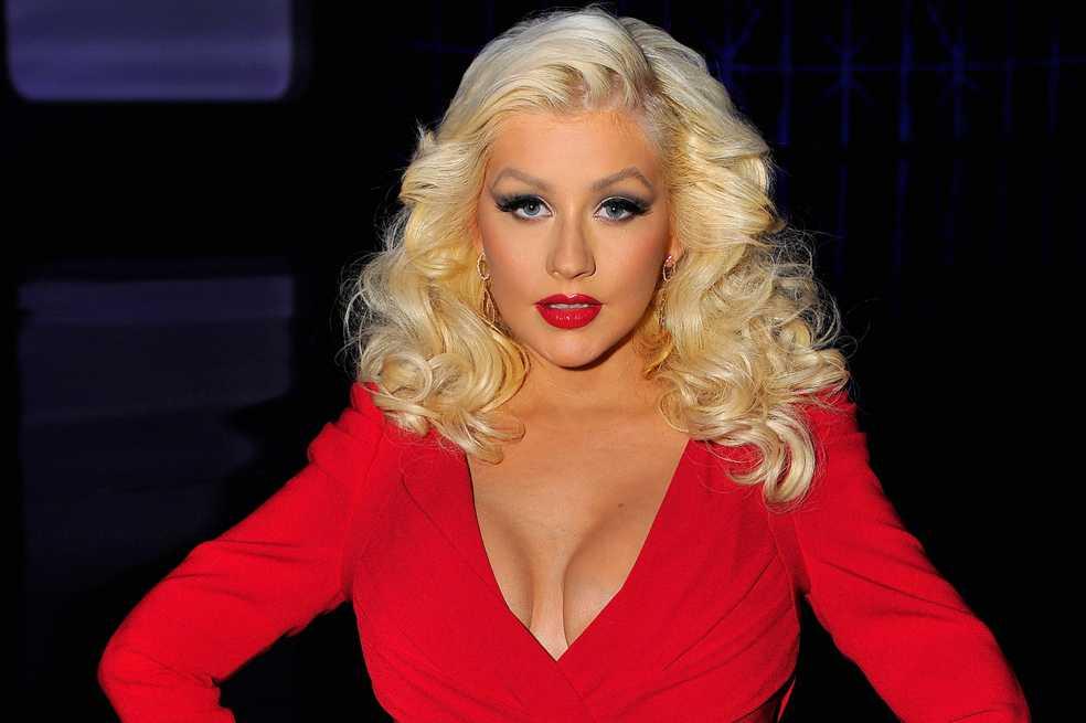 Christina Aguilera posa sin maquillaje para la revista Paper