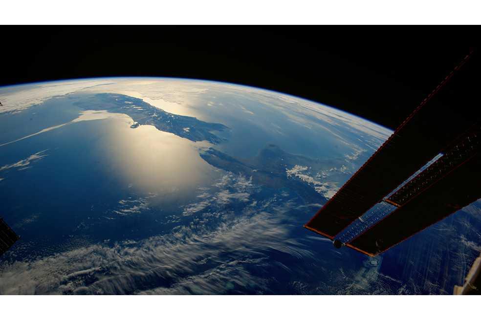 NatGeo presenta «One strange rock», una biblia visual sobre la Tierra vista desde el espacio