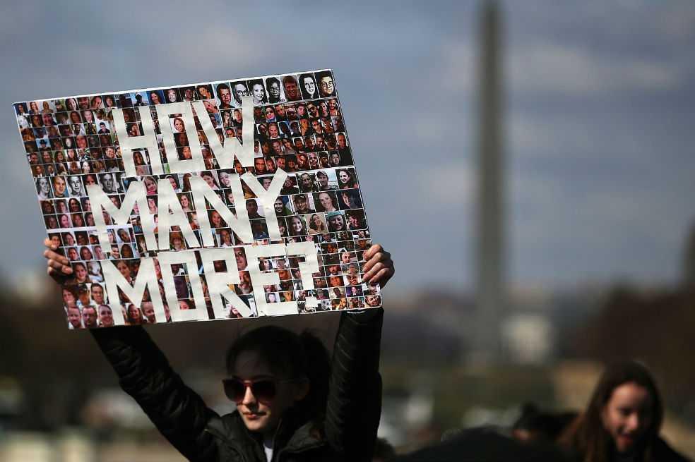 «¡Basta!»: estudiantes se movilizan en EE.UU. contra las armas en las escuelas