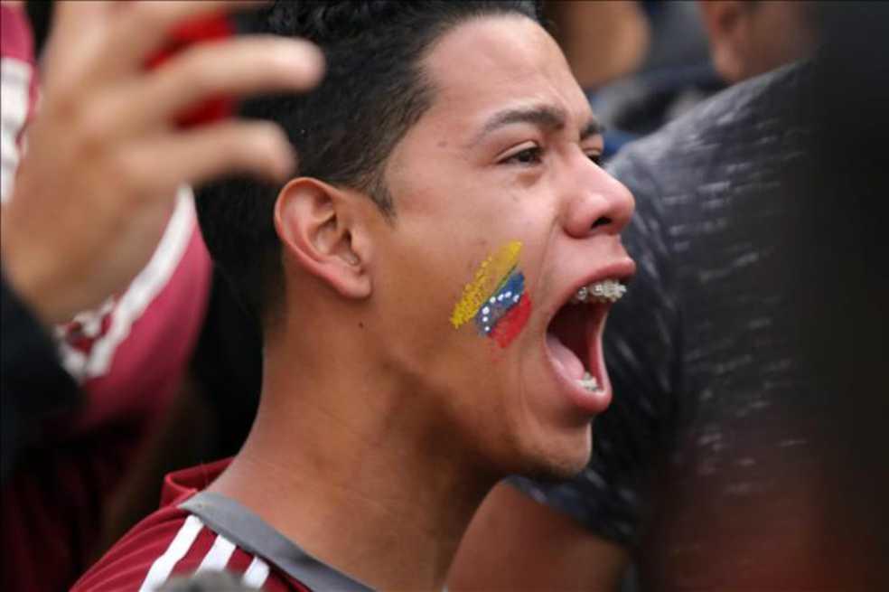 Cuatro de cada 10 venezolanos piensan irse de Venezuela