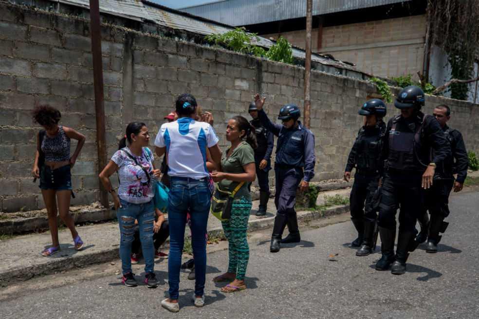 Incierto número de víctimas deja un motín en cárcel de Venezuela, según ONG
