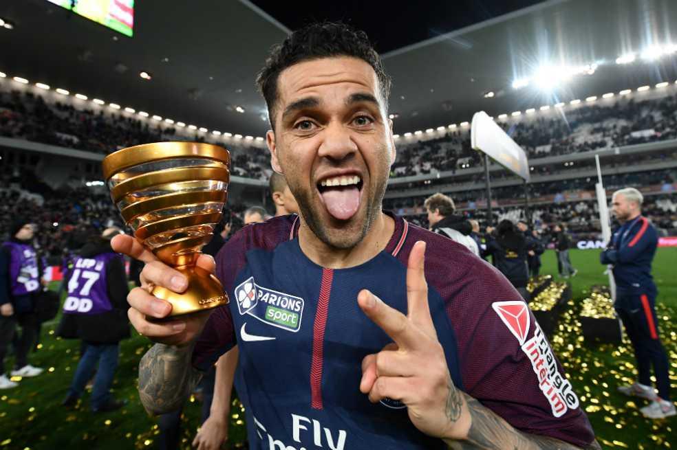 Dani Alves, el más ganador en la historia del fútbol