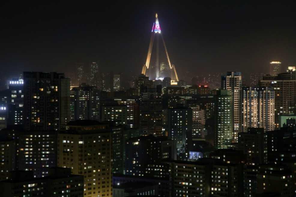Hotel fantasma de Pyongyang se iluminó por primera vez