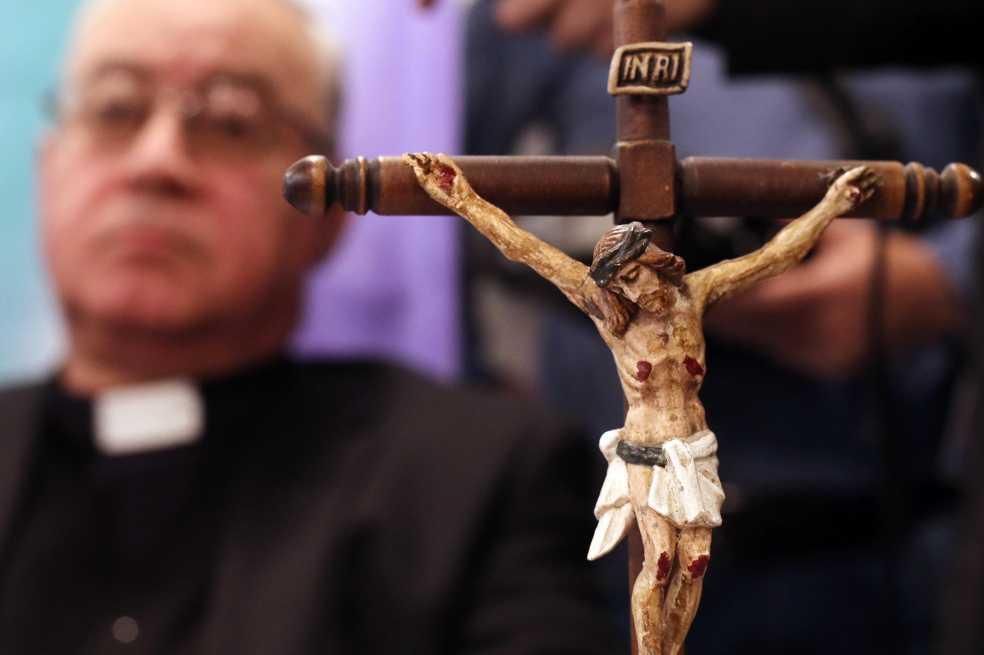 «No supimos escuchar y reaccionar a tiempo»: papa Francisco a víctimas de abuso en Chile