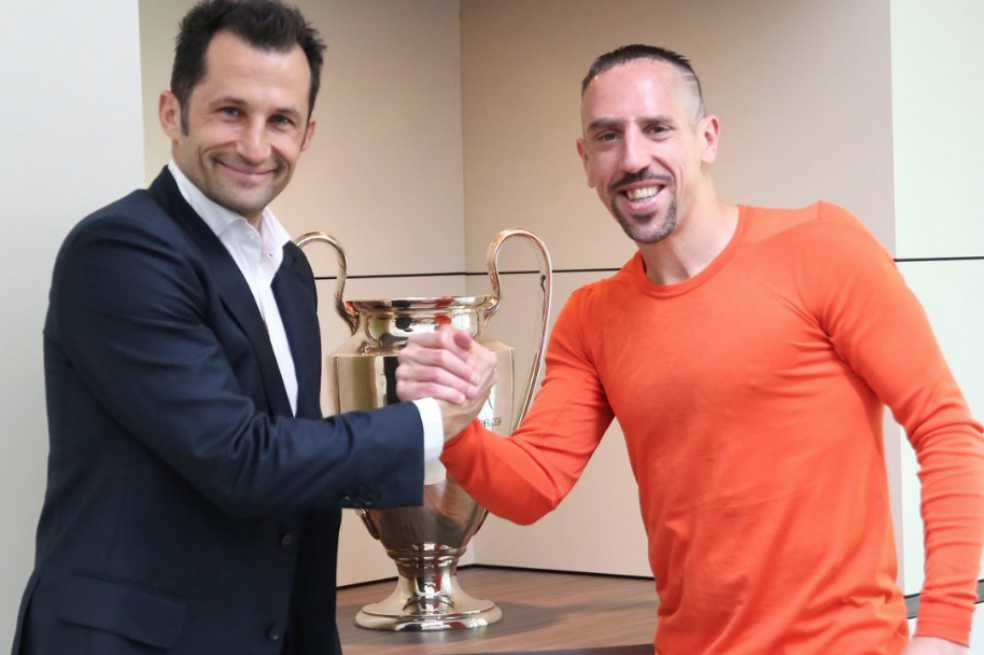 Ribery renueva un año más con el Bayern que queda a espera de Robben