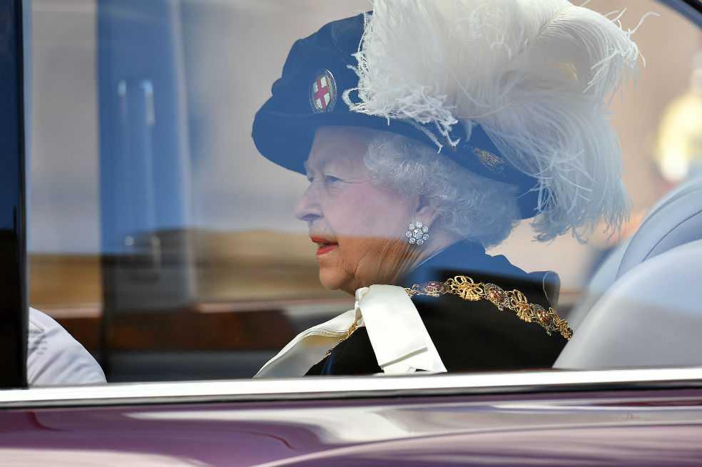 Monarquía británica celebrará su primera boda homosexual