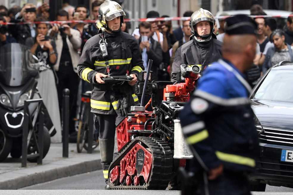 Detenido hombre que retuvo al menos a tres personas en el centro de París