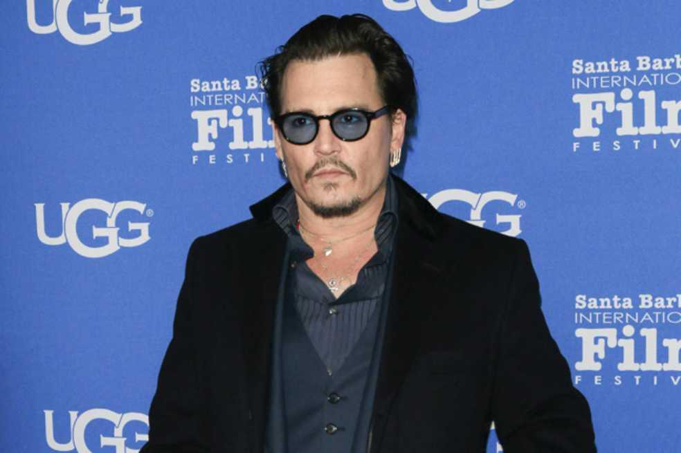Johnny Depp demanda a un periódico británico por difamaciones en su contra