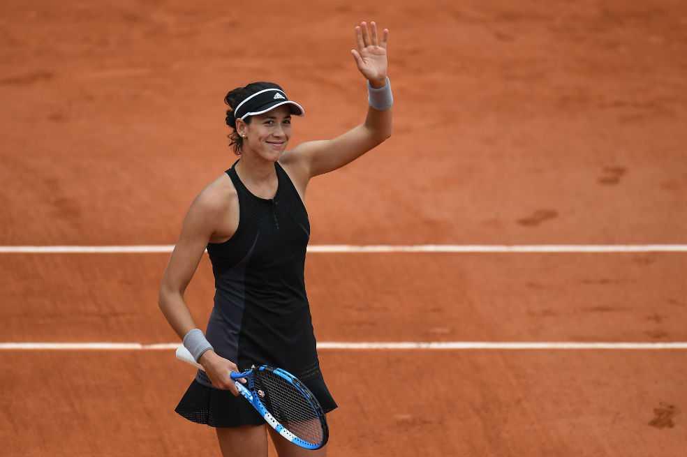 Muguruza venció a Sharapova y avanzó a semifinales del Roland Garros