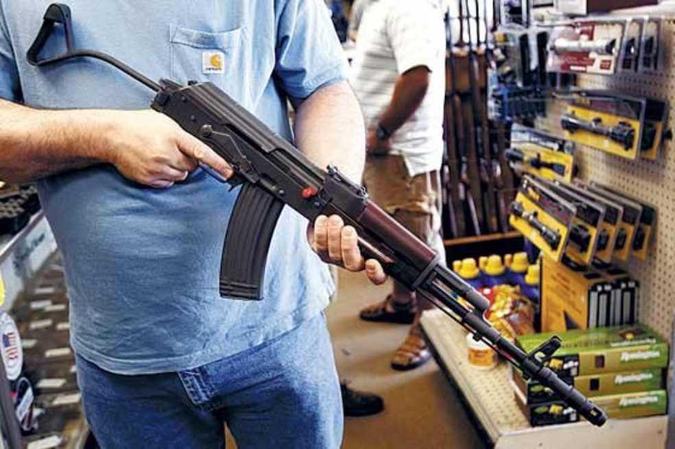 Estudio señala que estadounidenses poseen el 40% de armas de fuego del mundo