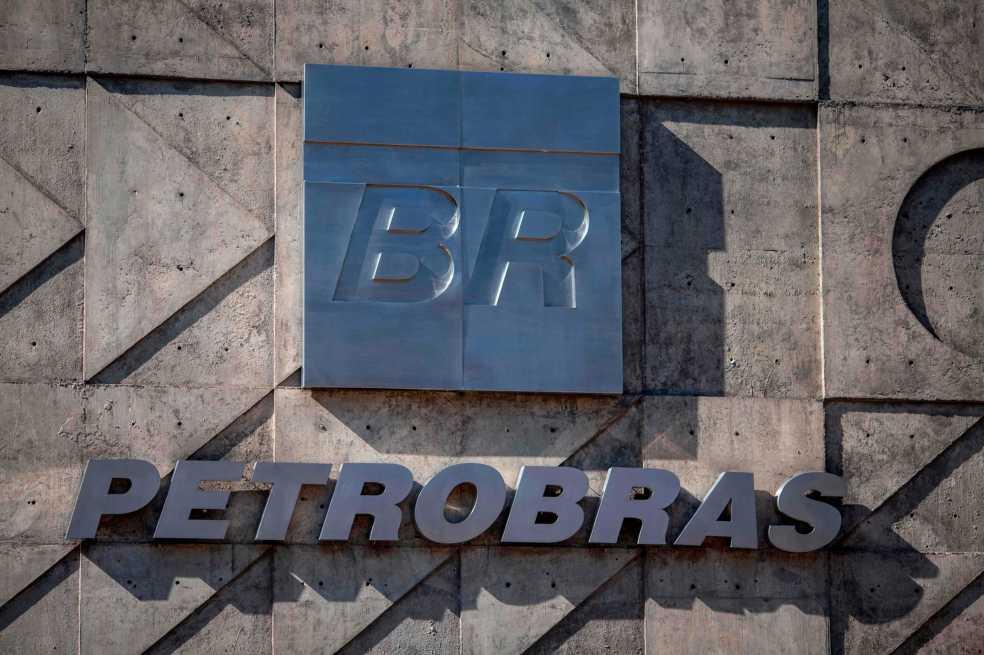 Renuncia presidente de Petrobras en Brasil tras presión por huelga de camioneros