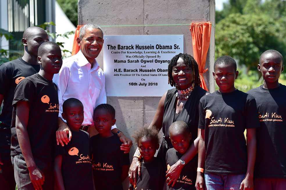 Barack Obama visitó el hogar de sus ancestros en Kenia