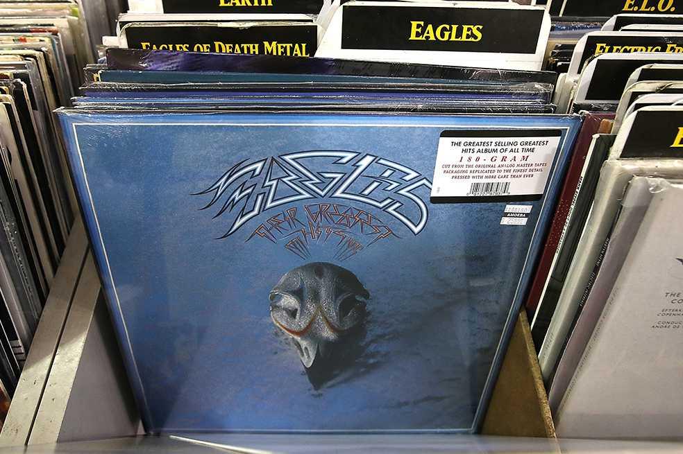 Disco de Eagles lanzado en 1976, el más vendido de todos los tiempos en EE.UU.