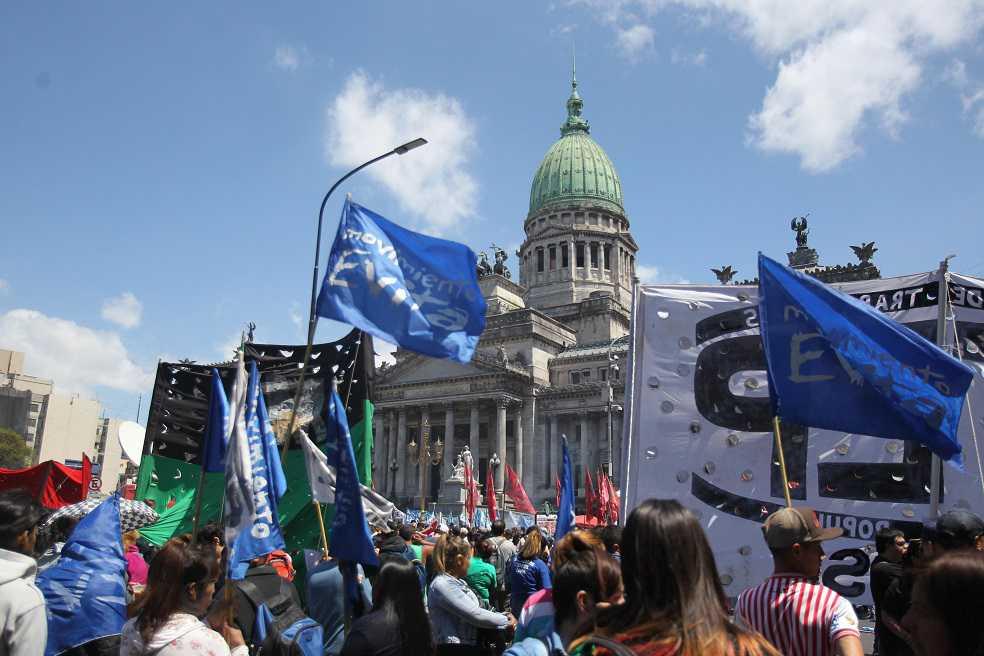 En medio de disturbios se debate el presupuesto argentino para 2019