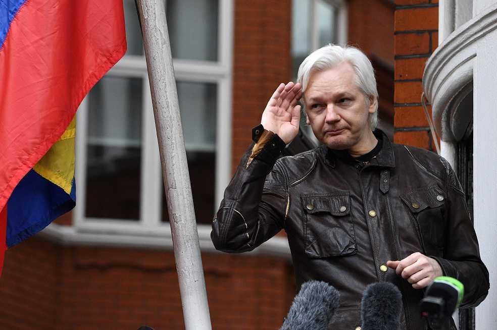 ¿Por qué se enfrenta Assange al Gobierno ecuatoriano?