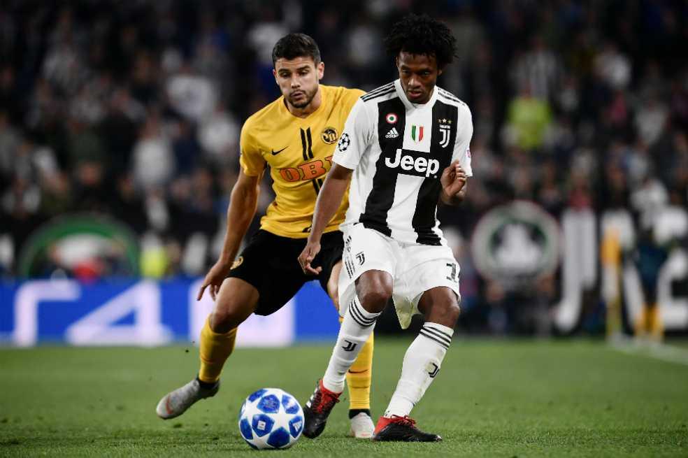 Con Cuadrado de titular, Juventus ganó 3-0 en la Liga de Campeones
