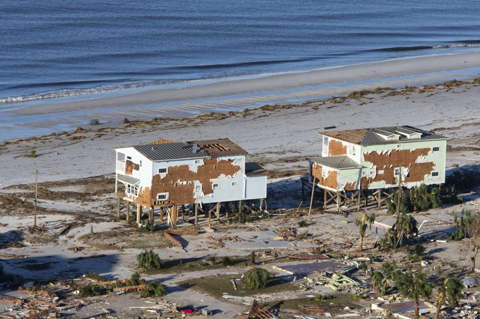 Trump irá a Florida y Georgia tras paso de ciclón Michael, que ya deja 13 muertos